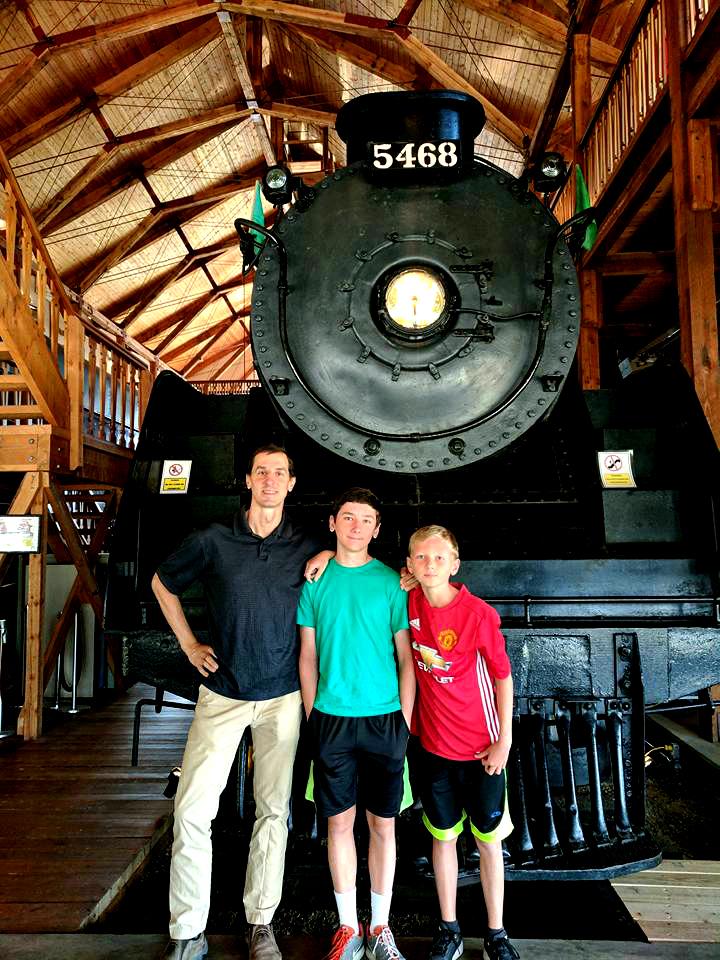 Revelstoke museum locomotive visit