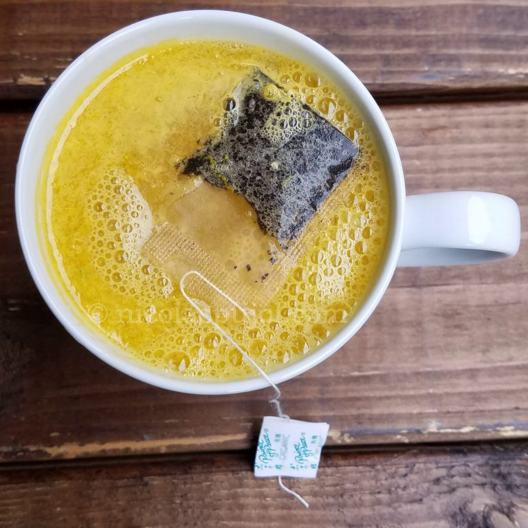 Breakfast hot drink with orange and Oolong tea