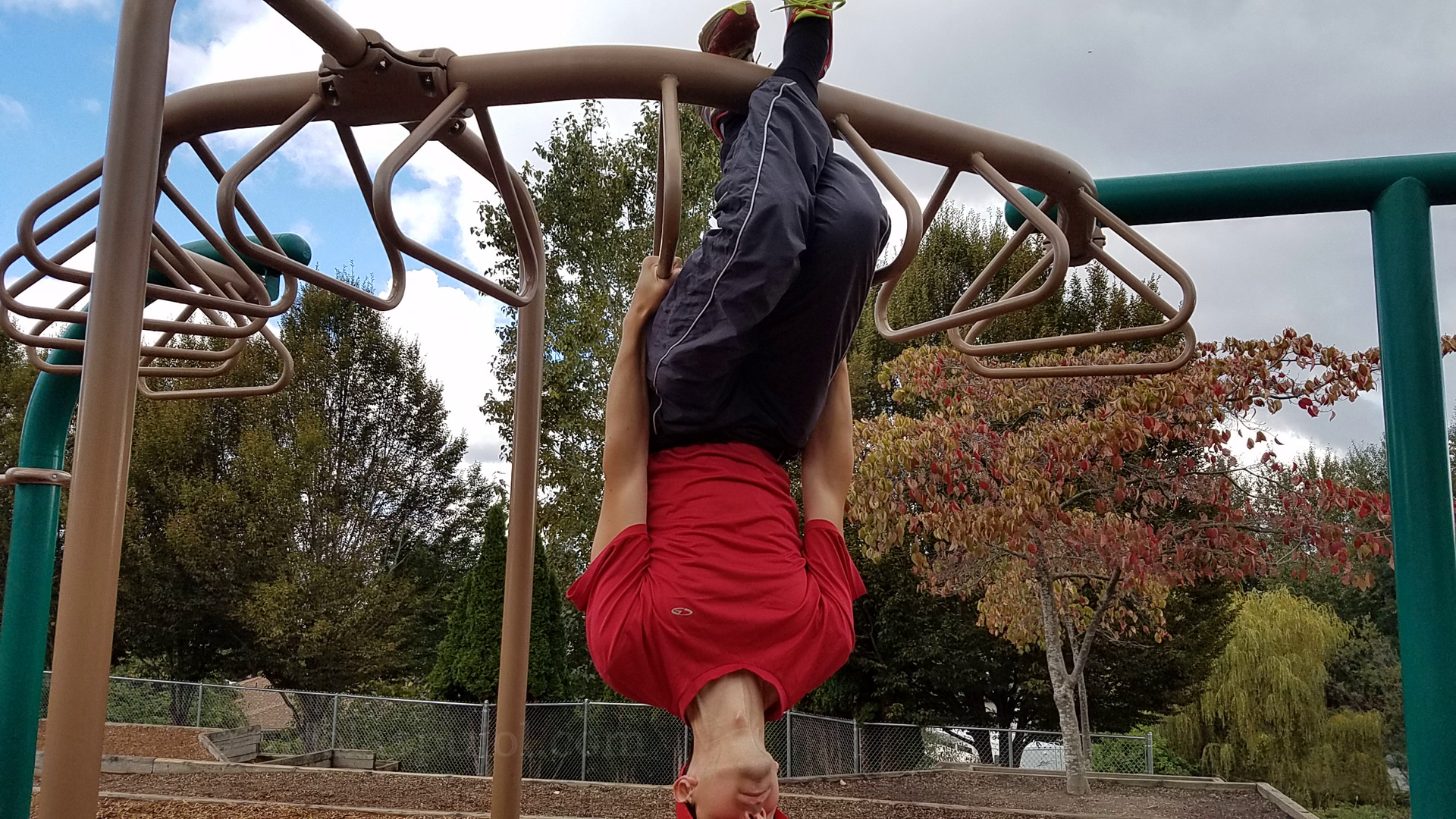 Bar exercises upside down