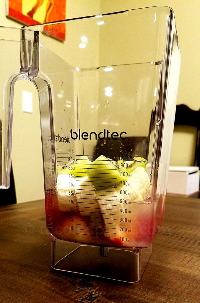 Blender for banana strawberry lemon kiwi smoothie