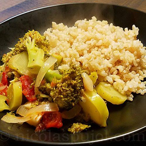Broccoli with onion in tomato sauce recipe