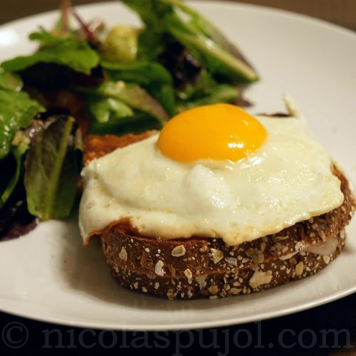 Croque monsieur with French lettuce salad