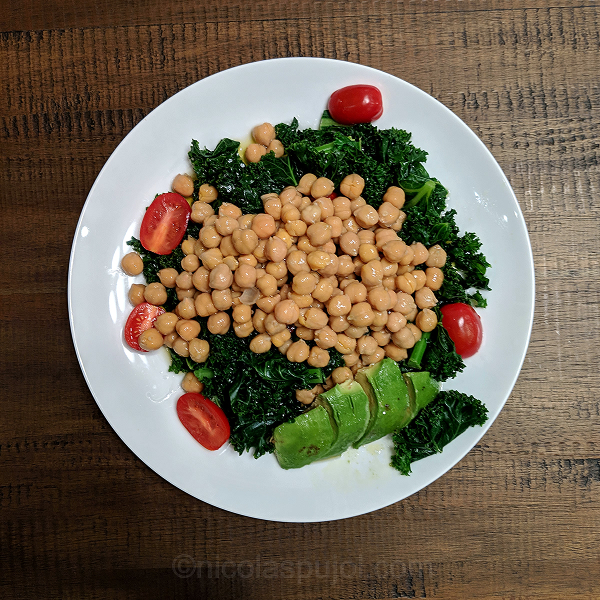 garbanzo beans and kale salad