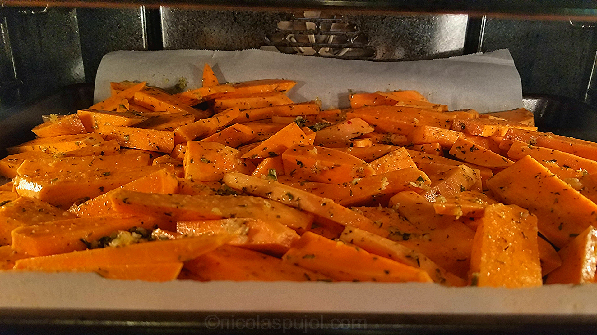 Sweet potato fries in the oven