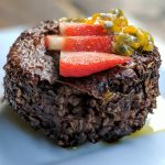 Oatmeal chocolate cake with strawberry and passion fruit recipe