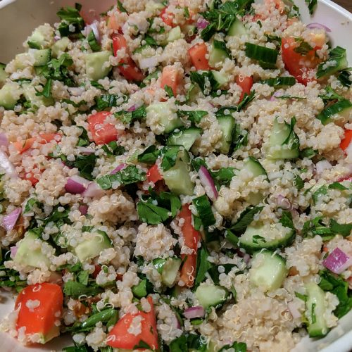 Simple oil-free quinoa tabouli (tabbouleh) salad recipe