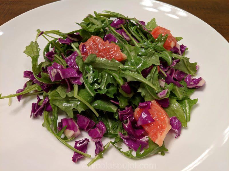 Vegan low fat salad with lemon