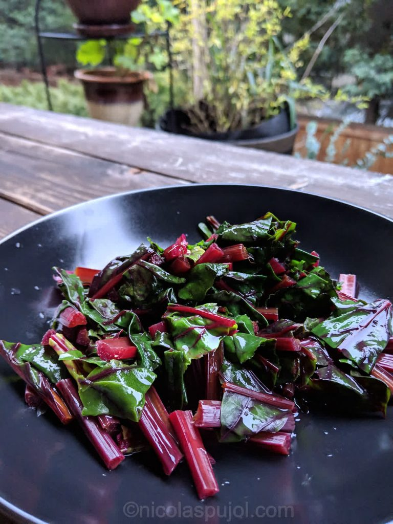No-oil beet greens salad