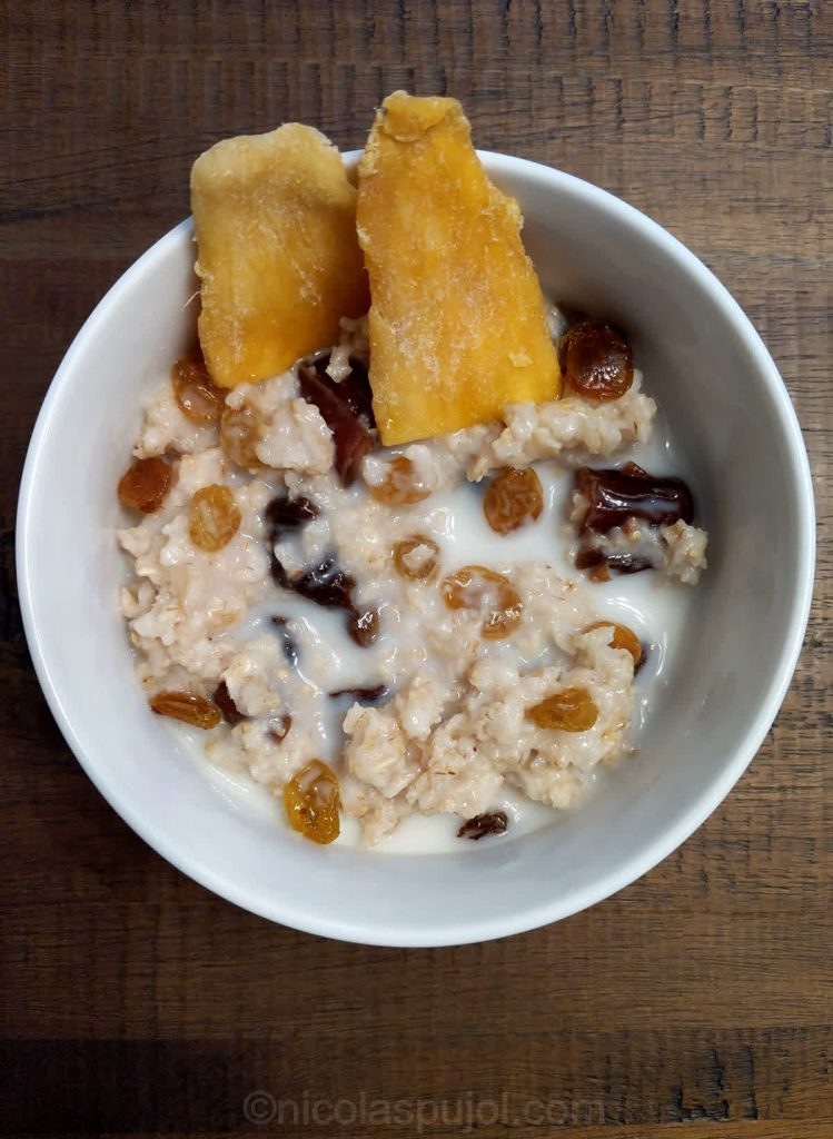 Oatmeal with dry fruits and almond milk