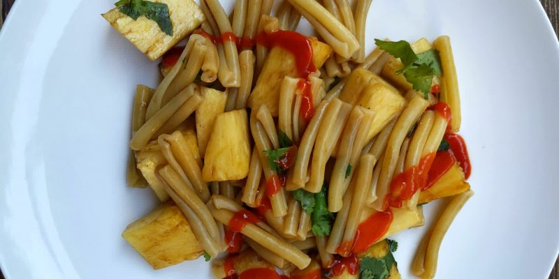 Oil-free pasta with pineapple and balsamic vinegar