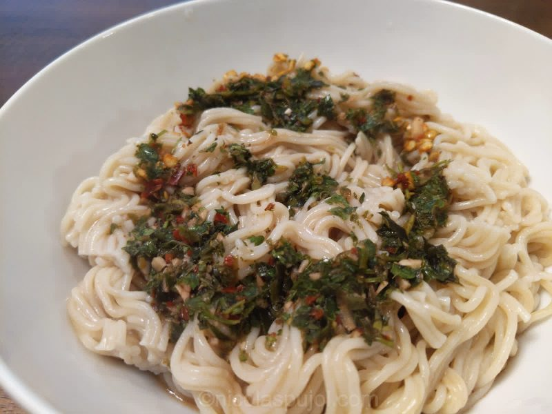 rice noodles with oil-free chimichurri sauce