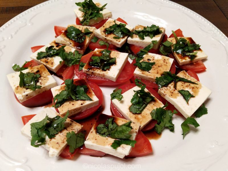 Plant-based caprese salad without oil