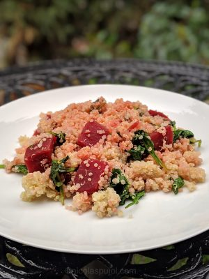 Quinoa salad with beets and spinach
