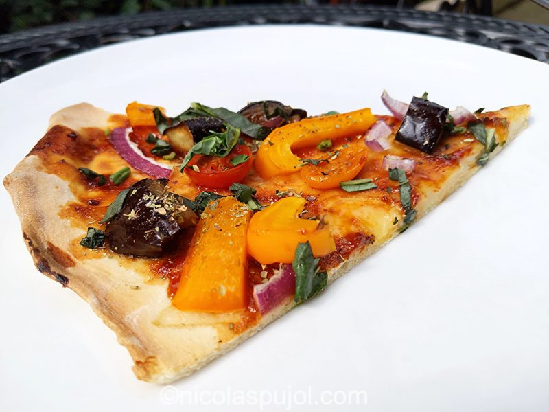 Vegan BBQ pizza with no added oil