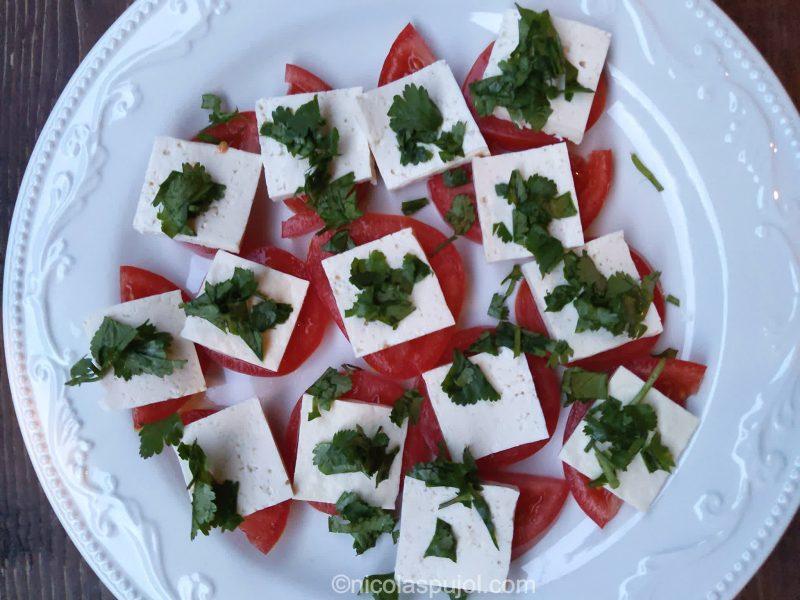 Vegan caprese salad (oil-free)