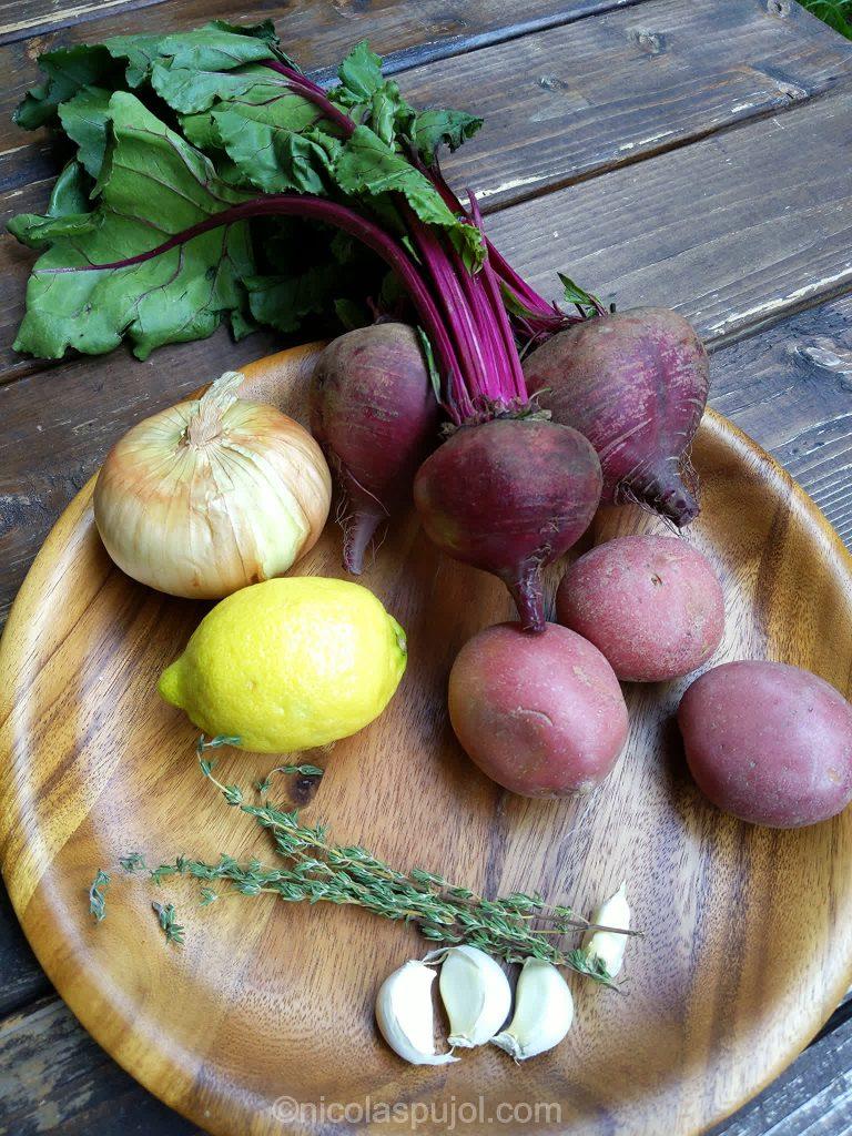 Vegan red beet soup ingredients